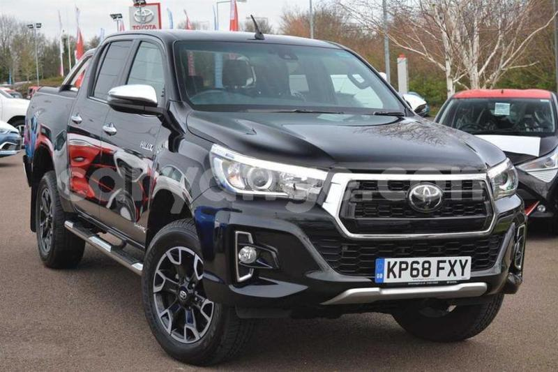 Big with watermark 2018 toyotahilux1