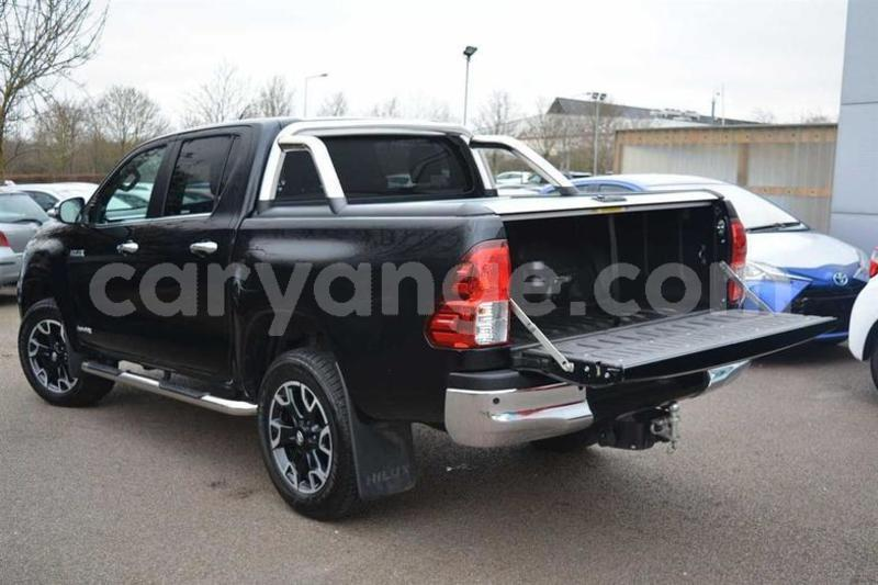 Big with watermark 2018 toyotahilux 6