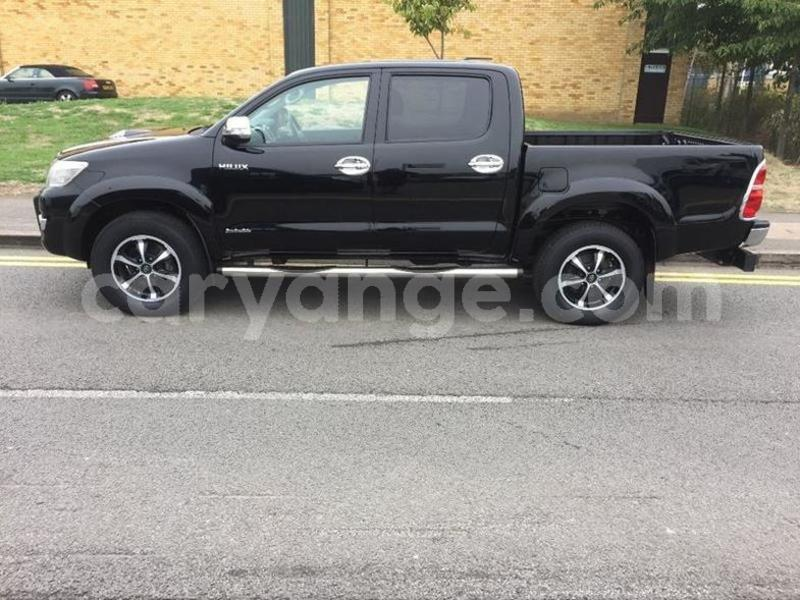 Big with watermark 2015 toyotahilux 3.0 5