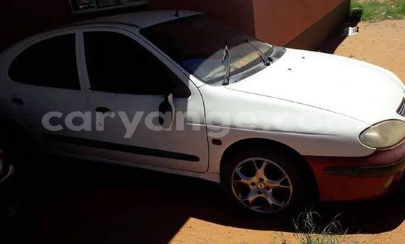 Buy Used Renault Megane White Car in Rehoboth in Hardap