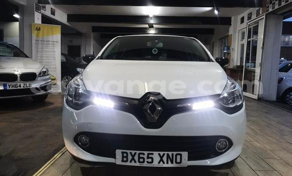 Buy Used Renault Clio White Car in Gobabis in Omaheke