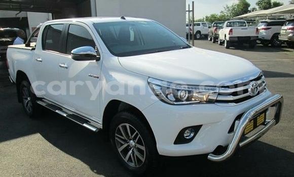 Buy Used Toyota Hilux White Car in Karibib in Erongo