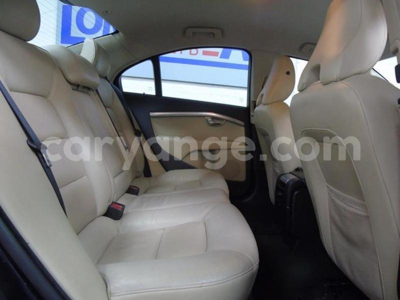 Big with watermark 2014 volvo s80 4