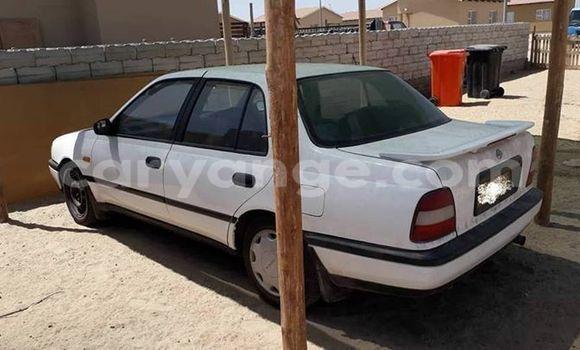 Buy Used Nissan Sentra White Car in Swakopmund in Namibia