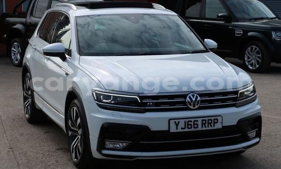Buy Used Volkswagen Tiguan White Car in Leonardville in Omaheke