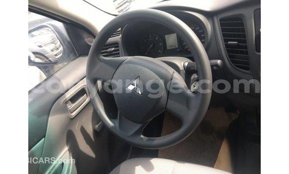 Buy Import Mitsubishi L200 White Car in Import - Dubai in Namibia