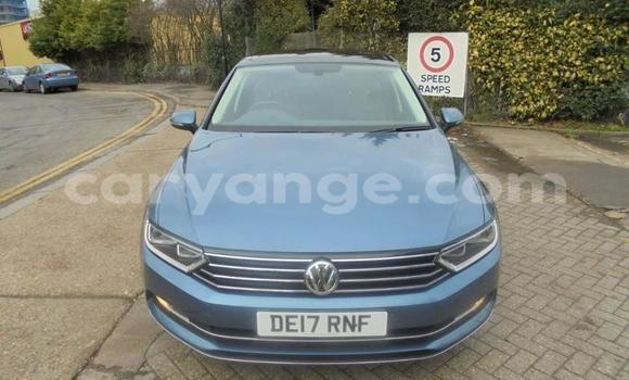 Buy Used Volkswagen Passat Blue Car in Karasburg in Karas
