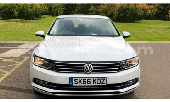 Buy Used Volkswagen Passat White Car in Walvis Bay in Namibia