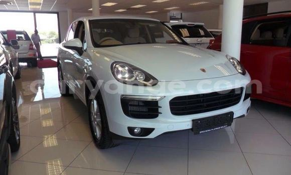 Buy Used Porsche Cayenne White Car in Windhoek in Namibia