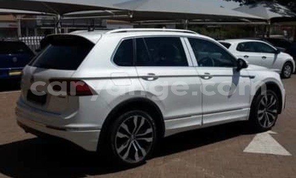 Buy Used Volkswagen Tiguan White Car in Walvis Bay in Namibia