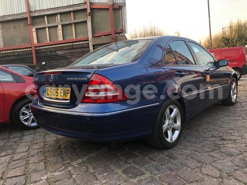 Big with watermark 2005 mercedesc class c180k avantgarde se 3