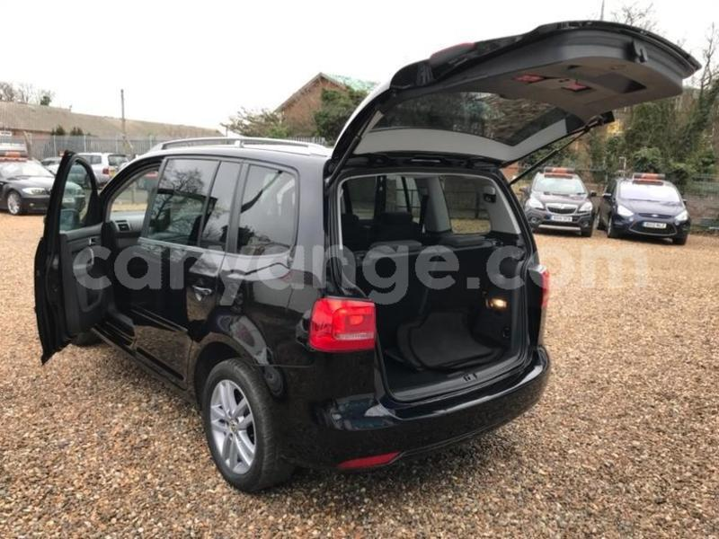 Big with watermark 2011 volkswagen touran se tdi dsg 6