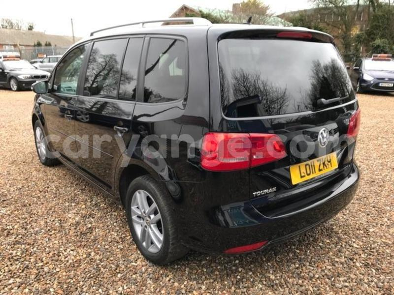 Big with watermark 2011 volkswagen touran se tdi dsg 4