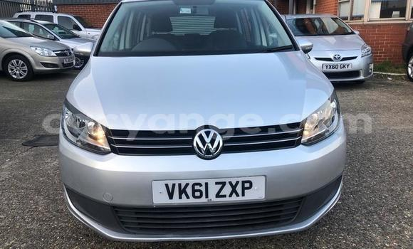 Buy Used Volkswagen Touran Silver Car in Gobabis in Omaheke