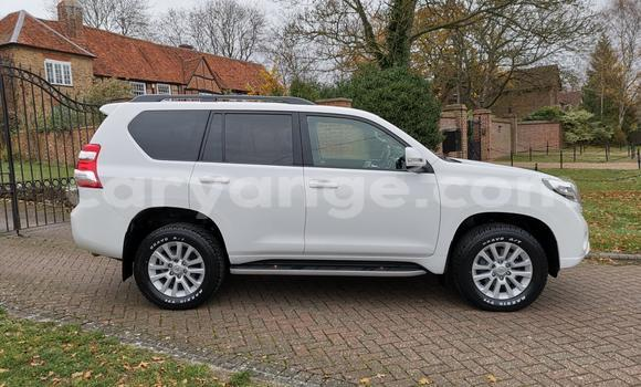 Buy Used Toyota Land Cruiser Prado White Car in Windhoek in Namibia