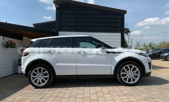 Buy Used Land Rover Range Rover Evoque White Car in Windhoek in Namibia