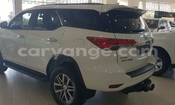 Buy Used Toyota Fortuner White Car in Bethanien in Karas