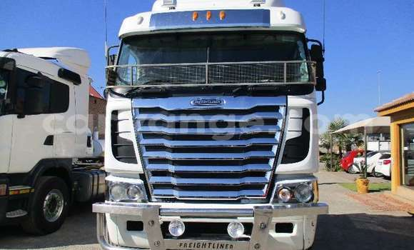 Buy Used Freightliner 90 Cum 500 White Truck in Windhoek in Namibia