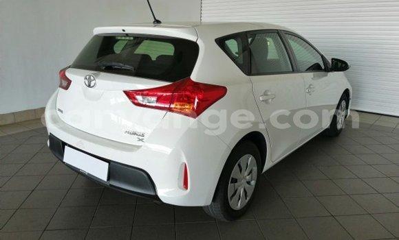Buy Used Toyota Auris White Car in Windhoek in Namibia