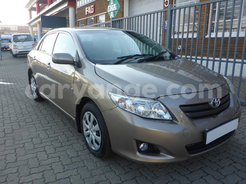 Big with watermark 2014 toyota corola 2