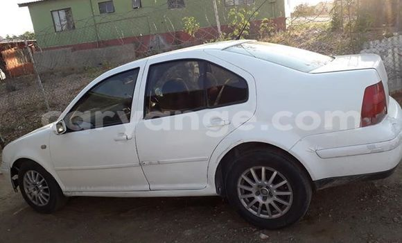 Buy Used Volkswagen Jetta White Car in Windhoek in Namibia