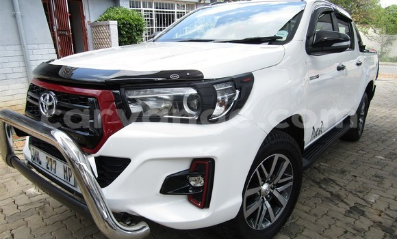 Buy Used Toyota Hilux White Car in Bethanien in Karas