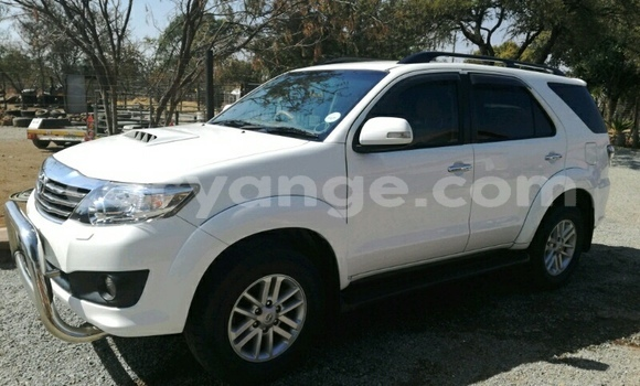 Buy Used Toyota Fortuner Beige Car in Karasburg in Karas