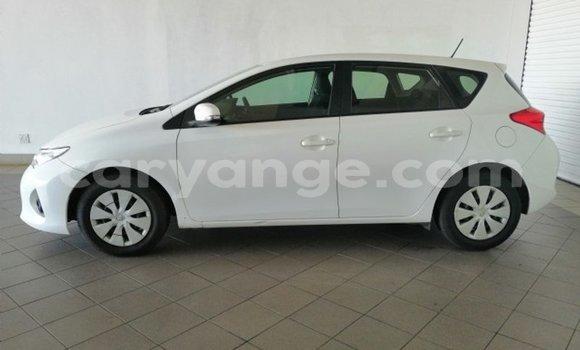 Buy Used Toyota Auris White Car in Rundu in Namibia
