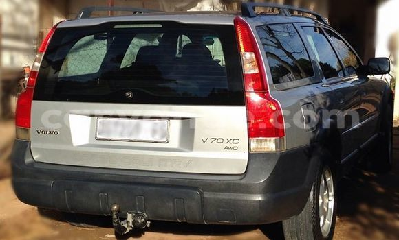 Buy Used Volvo V70 Silver Car in Windhoek in Namibia