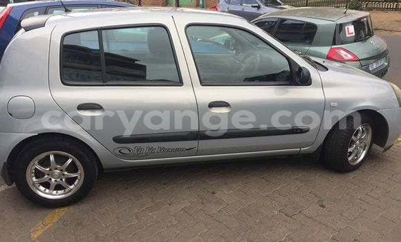 Buy Used Renault Clio Silver Car in Windhoek in Namibia