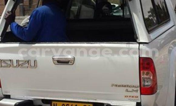 Buy Used Isuzu D-MAX White Car in Windhoek in Namibia