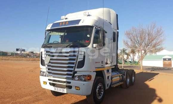 Medium with watermark freightliner truck argosy 6x4 mechanical horse id 63838837 type main