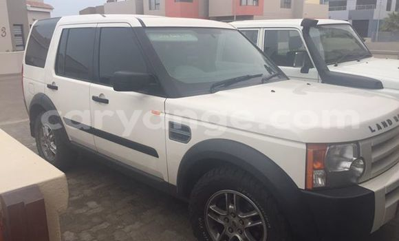 Buy Used Land Rover Discovery White Car in Windhoek in Namibia