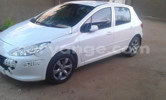 Buy Used Peugeot 307 White Car in Windhoek in Namibia