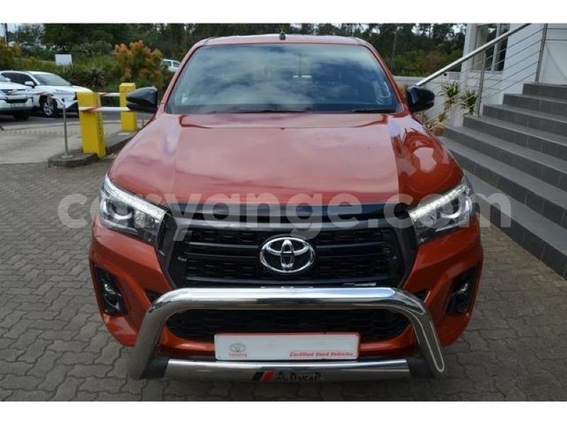 Big with watermark 2018 toyota hilux 2.8gd 6 double cab 4x4 raider2