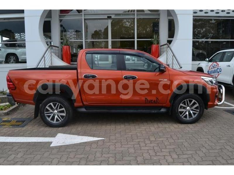 Big with watermark 2018 toyota hilux 2.8gd 6 double cab 4x4 raider3