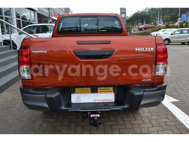 Big with watermark 2018 toyota hilux 2.8gd 6 double cab 4x4 raider5