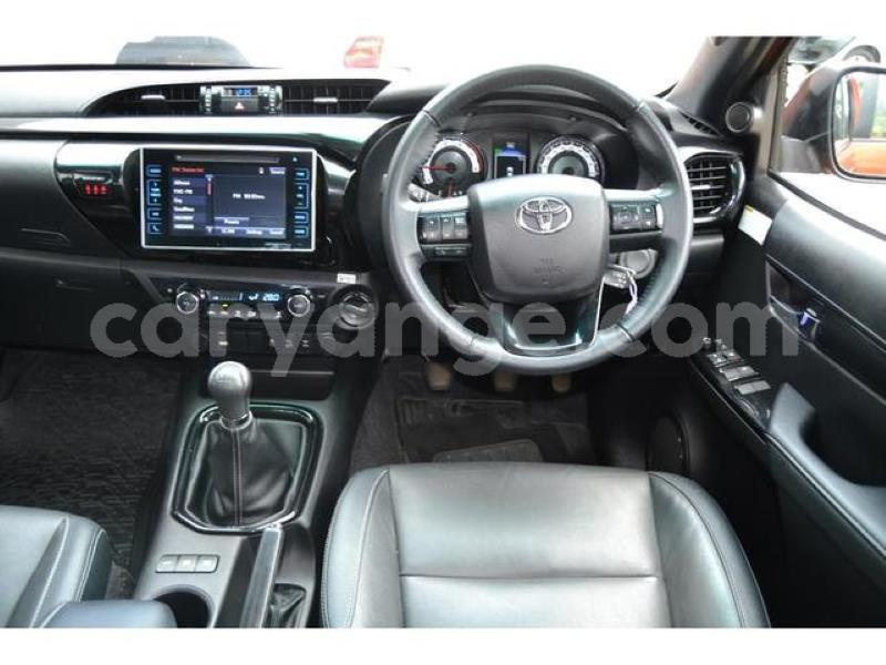 Big with watermark 2018 toyota hilux 2.8gd 6 double cab 4x4 raider7