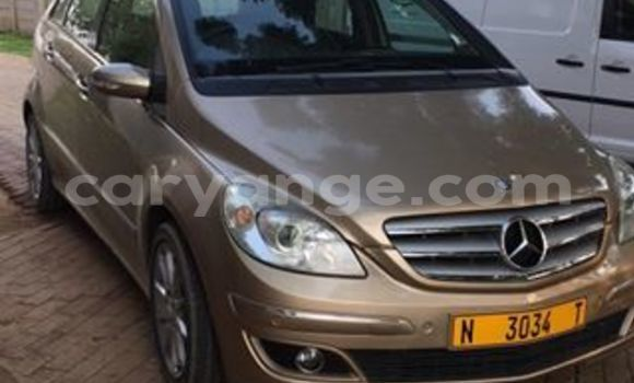 Buy Used Mercedes‒Benz 200 Other Car in Windhoek in Namibia