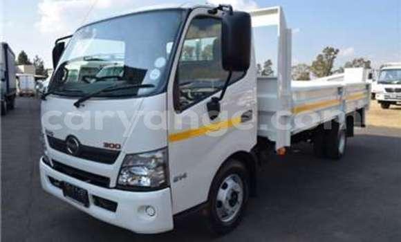 Medium with watermark hino truck dropside 300 4ton 814 2014 id 58481733 type main