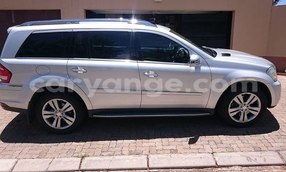 Buy Used Mercedes‒Benz GL–Class Silver Car in Windhoek in Namibia
