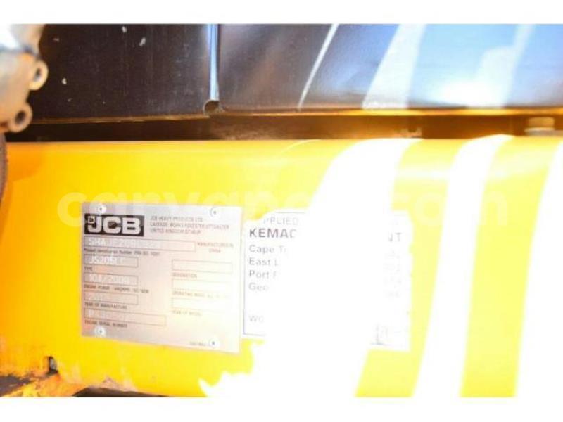 Big with watermark caterpillar 120 erongo henties bay 8783
