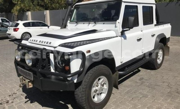 Medium with watermark land rover defender namibia windhoek 8864