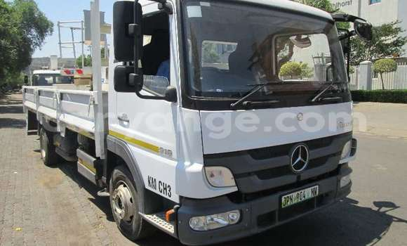 Medium with watermark mercedes%e2%80%92benz 1317 namibia windhoek 9214