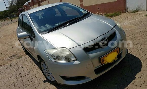 Buy Used Toyota Auris White Car in Windhoek in Namibia
