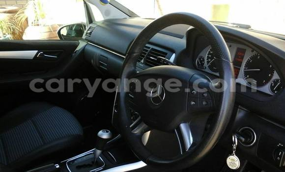 Buy Used Mercedes‒Benz 190-Series Black Car in Windhoek in Namibia