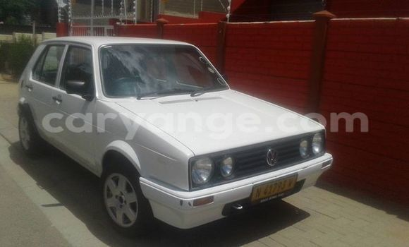 Buy Used Volkswagen Golf White Car in Windhoek in Namibia