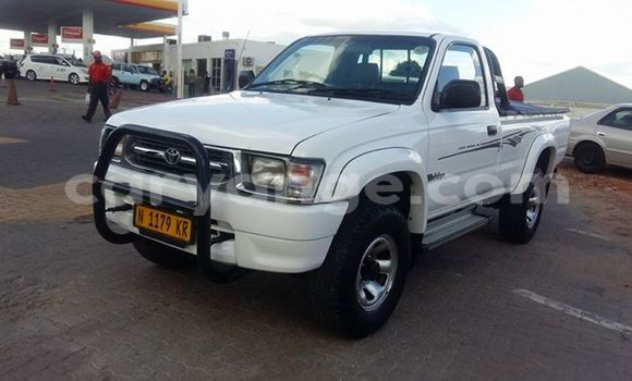 Buy Used Toyota Pickup White Car in Windhoek in Namibia