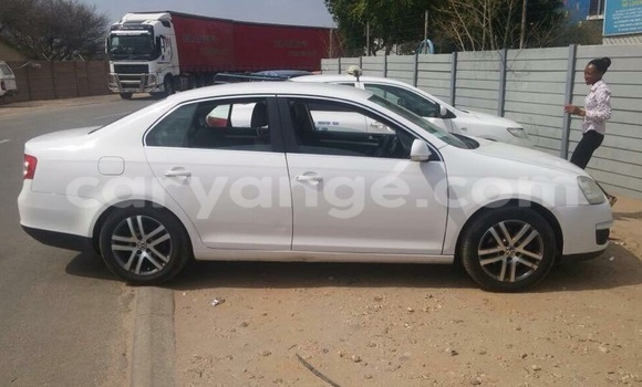 Buy Used Volkswagen Bora White Car in Oshakati in Namibia