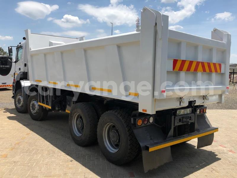 Big with watermark mercedes%e2%80%92benz tipper karas karasburg 10392